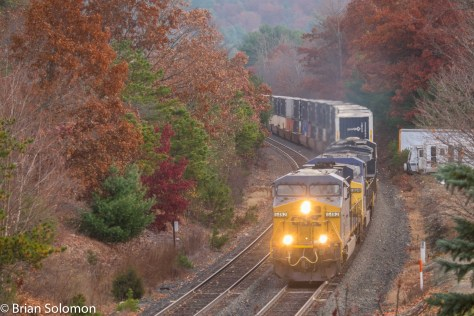 CSXT Q019 passes milepost 81 east of Palmer, Massachusetts. FujiFilm X-T1 digital photo.