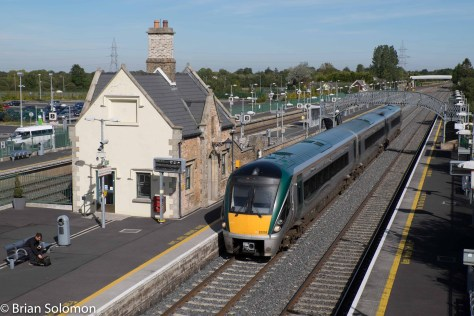 Down Irish Rail InterCity Railcar at Hazelhatch. FujiFilm X-T1 photo.