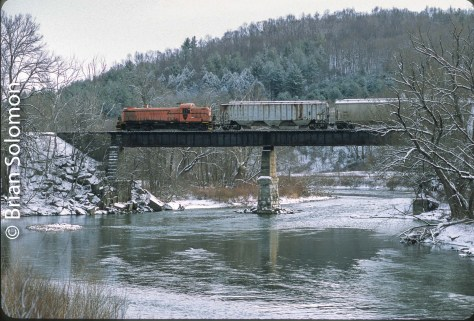 This Battenkill Railroad RS-3 is among the last of its breed working in regular revenue service. Exposed on Fujichrome Provia 100 with a Canon EOS-3 with 100mm lens.
