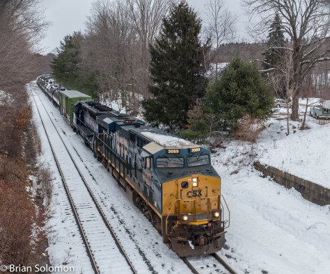 CSX Q427 is the connection from Pan Am Railways that runs from Portland, Maine to Selkirk, New York via the Ayer-Worcester gateway. On Pan Am it's called POSE.