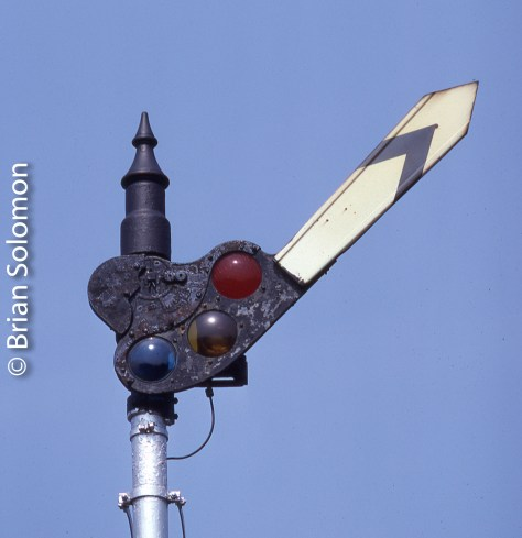 A Union Switch & Signal upper quadrant semaphore blade, exposed on Kodachrome 25 using a Leica M2 with 200mm Telyt lens.
