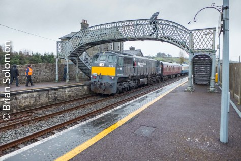 Cold rain greeted us at Farranfore. It has been 18 years and some months since I first visited this classic Irish station. I wouldn't expect that 076 in gray paint has been here very often. Except for rail tours and the infrequent per way train, the Kerry Road is a locomotive free zone.