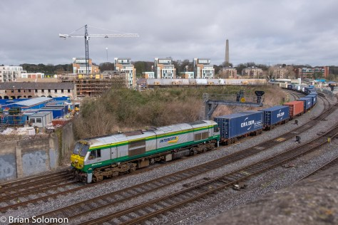 Irish Rail 219 with Dublin to Ballina IWT liner.