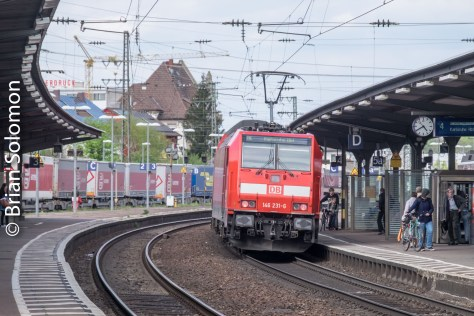 Lines at Rastatt host a mix of freight and passenger trains including Regional Expresses.