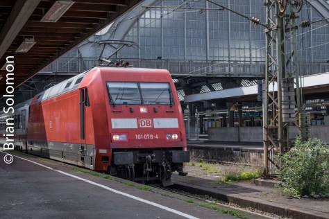 When I first visited Karlsruhe in the late-1990s, DB's 101 class were the latest in new motive power. Now these are battle worn veterans.