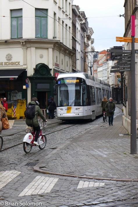 Lijn_Antwerp_P1450608