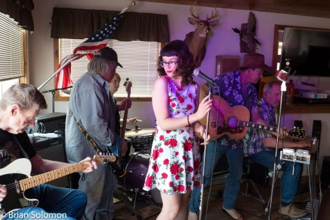 Rosie Porter steps in for a song or two with Dave Pike and the Good Old Boys.