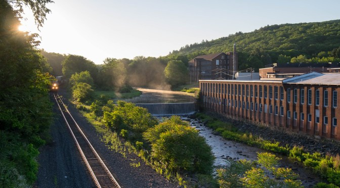 The Happy Twinkle of Glint; CSX catches the Morning Light—June 2016