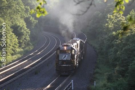Helpers on a unit coal train at Cassandra July1_2010_IMG_1761