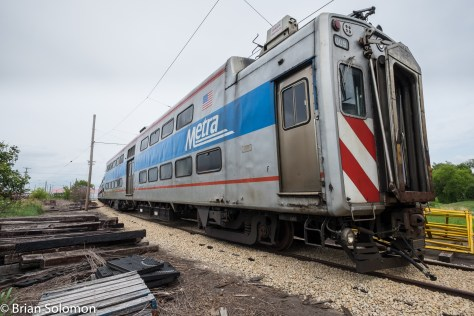 Whoa! What's this? A Metra electric? Hmm.