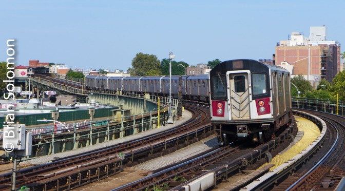 New York City's Number 7 Flushing Line in the Afternoon—12 Photos.