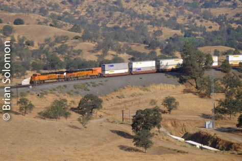 BNSF_stack_train_Walong_CA_Tehachapi_Loop_DSCF0854