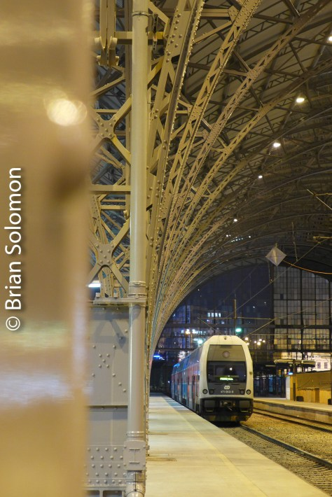 To make this view, I used one of the station shed supports to position my Lumix LX7 and hold it steady during the length of the exposure.