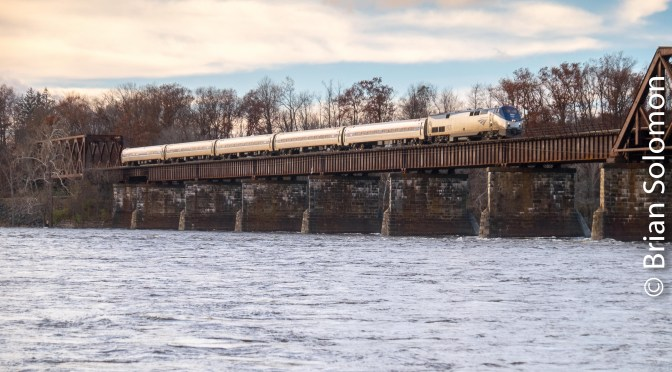 Vermonter Crosses the Connecticut at Windsor Locks