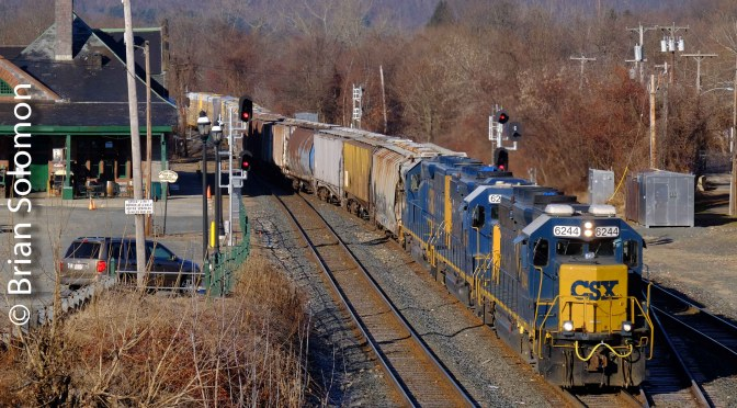 Palmer, Massachusetts—CSX B740: Three GP40-2s and calendar lighting.