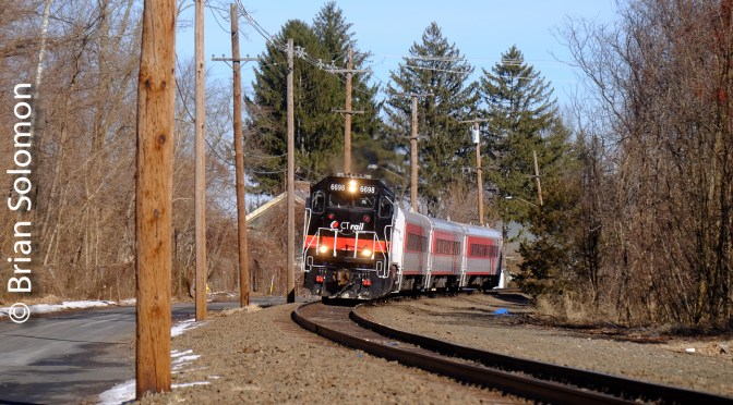 Thompsonville, Connecticut: CT Rail 4405 on the Roll!