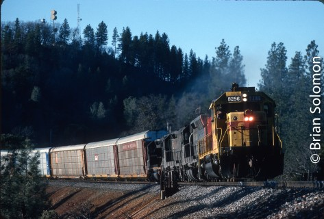 This image has an empty alt attribute; its file name is SP_8286_eb_mp140_near_Colfax_Calif_Feb2_1990_Kodachrome_livery_KM©BrianSolomon_592858-3.jpg