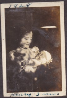 My great-grandmother Anding with my uncle Henry, 1928