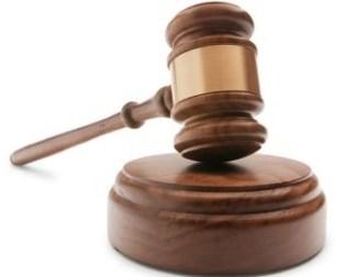 in-auto-con-un-'pattada'-coltello-sardo-finisce-a-processo-il-giudice-lo-assolve-20906
