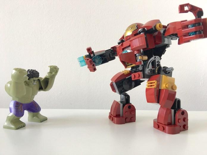 Lego Iron Man and Hulk Fight