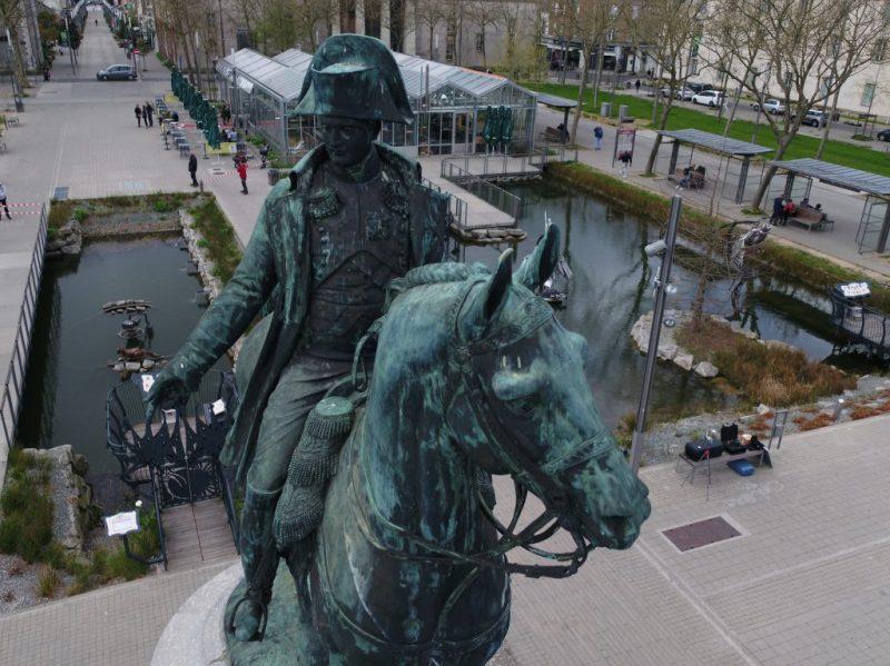 Statue Napoléon La Roche Sur Yon