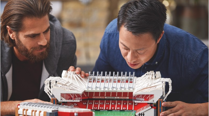 Build and Display a Brilliantly Detailed Old Trafford Model!