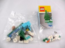853663 lego iconic holiday magnet 3
