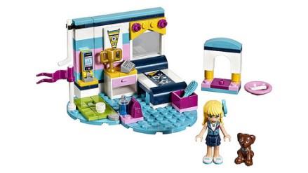 41328 lego friends stephanie's bedroom 2