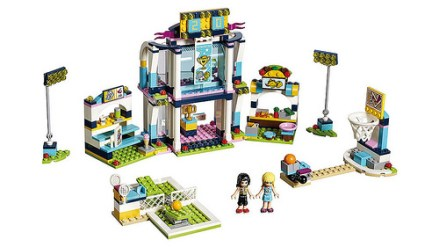 41338 lego friends stephanie's sport arena 2