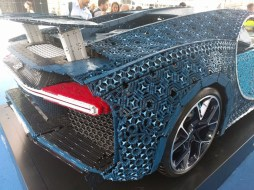 life-sized technic bugatti (6)