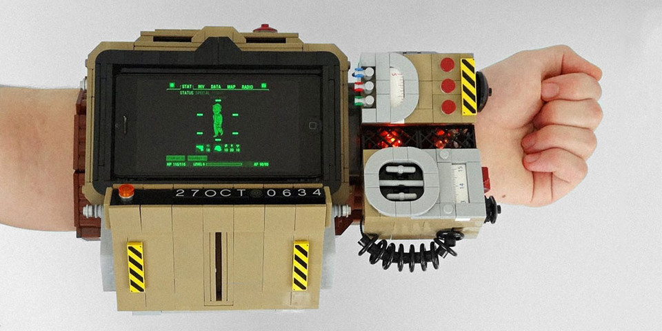 Check Out This Custom LEGO Fallout 76 Pip-Boy 2000 MOC