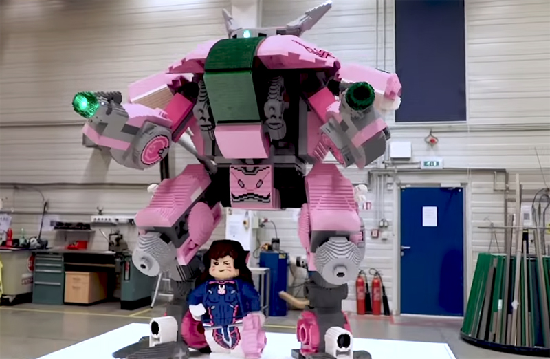BlizzCon 2018 Welcomes You With a Huge LEGO Overwatch D. Va and MEKA Statue