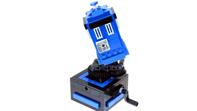 Custom LEGO Spinning TARDIS