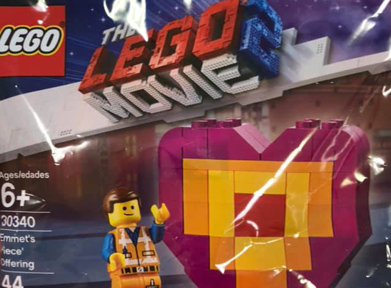 LEGO Movie 2 Emmet's 'Piece' Offering (30340) Polybag Spotted in Target