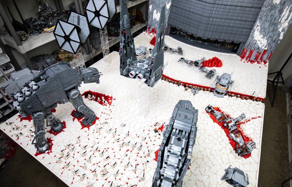"Stunning LEGO MOC Vignette of Battle of Crait Praised by ""Last Jedi"" Director"