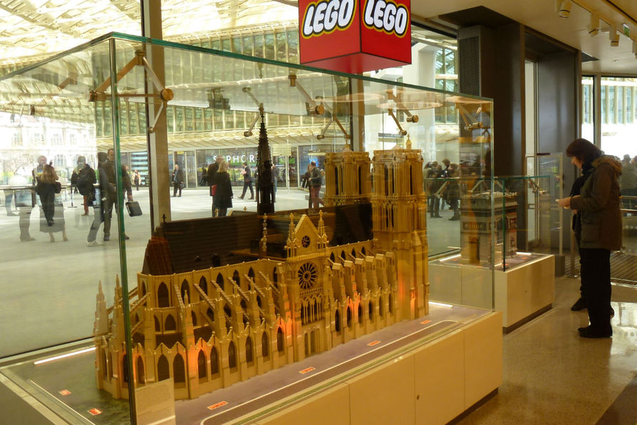 LEGO Fans Petition Company to Make a Set (Possibly Architecture Line) for Recently-Burned Notre Dame de Paris
