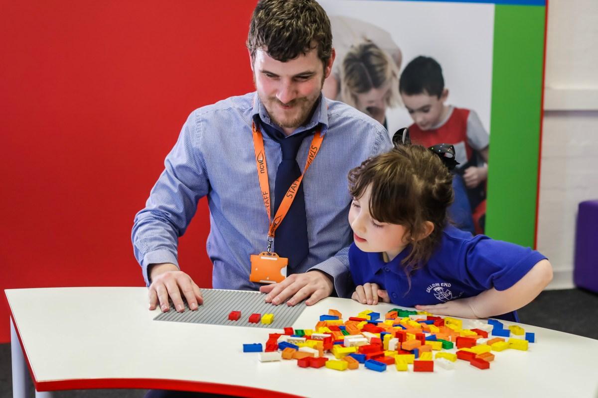 "LEGO Targets Visually-Impaired Children With In-Development ""Braille Bricks"" Set"