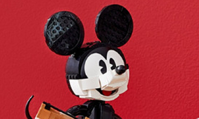 LEGO Reveals the LEGO Disney Mickey and Minnie Mouse (43179) Buildable Characters