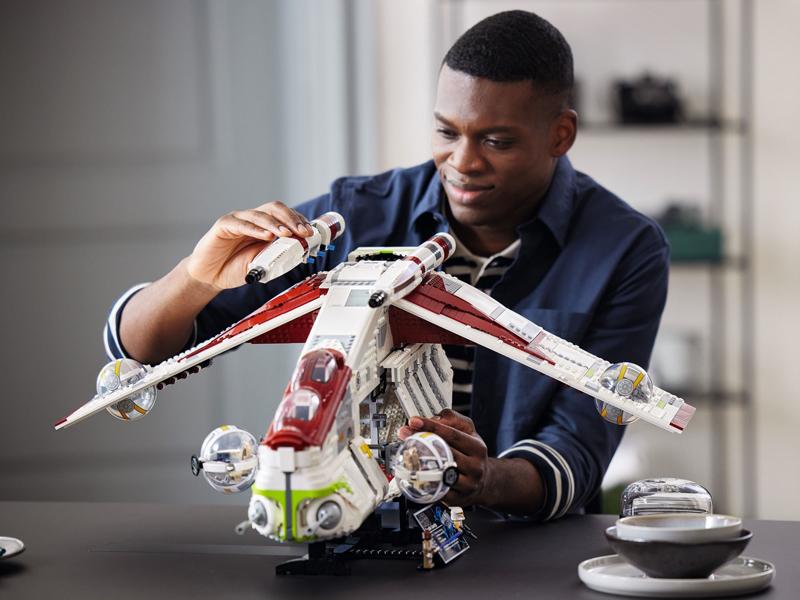 The LEGO Star Wars UCS Republic Gunship (75309) Finally Revealed!