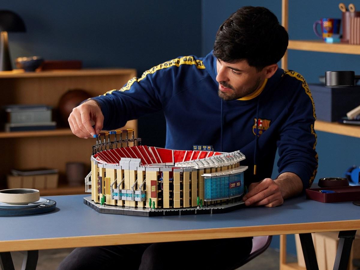 LEGO Creator Expert Camp Nou – FC Barcelona (10284) Now Available