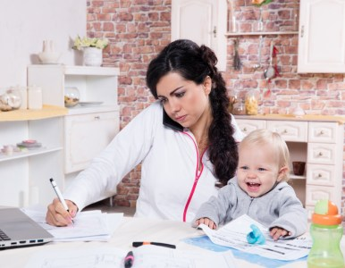 Successful mompreneurs' advice for balancing work + kids during summer break
