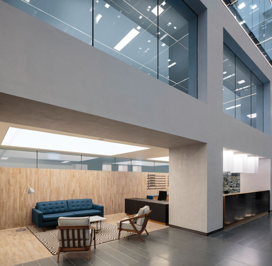 Armourcoat polished plaster wall finishes feature within the major office refurbishment of Twenty Old Bailey