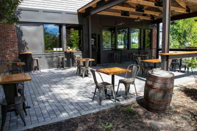 brewing company patio in yarmouth maine