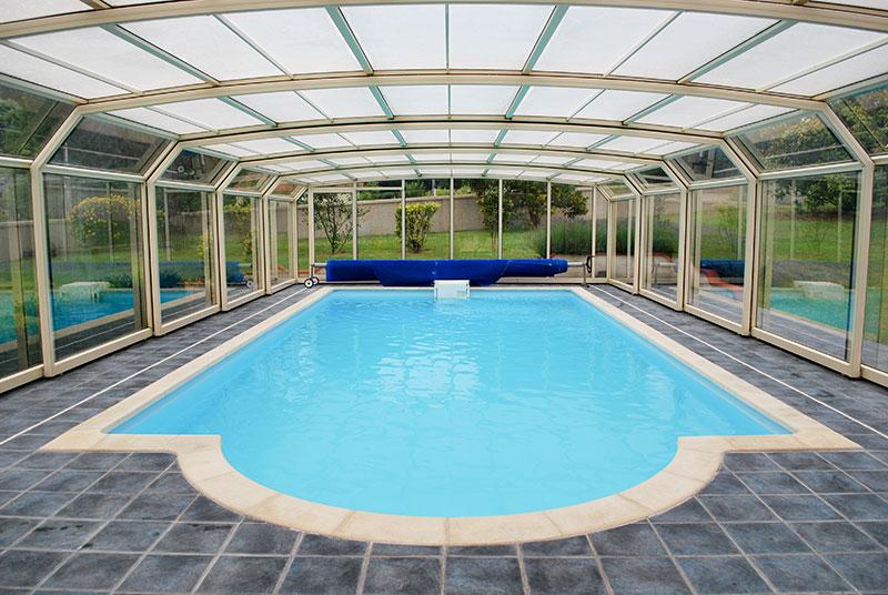 Bien entretenir une piscine est indispensable pour éviter son usure
