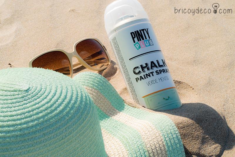 personalizar un sombrero de paja con pintura en spray