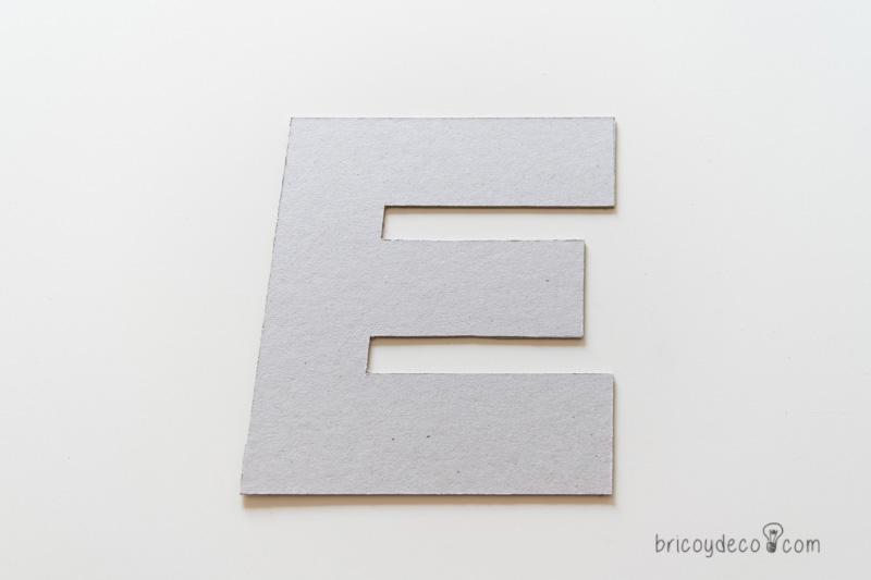 letra de cartón