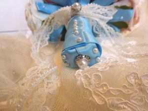Blue satin lace pearl bridal bouquet handle