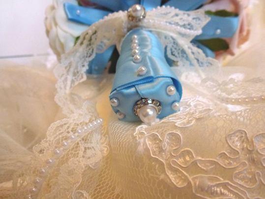 Blue satin lace pearl bridal bouquet handle