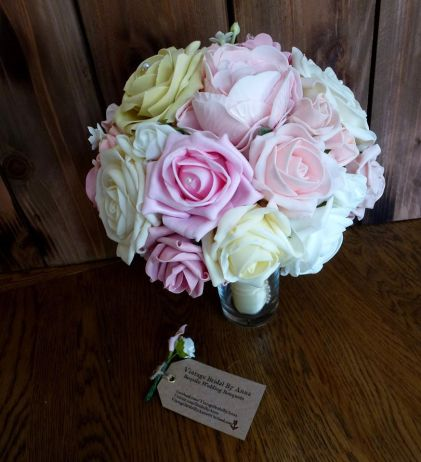 Bright rose wedding bouquet lemon