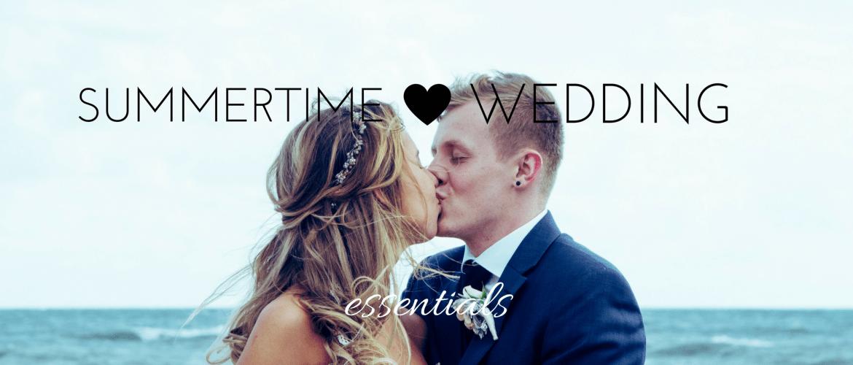 Summertime wedding kiss